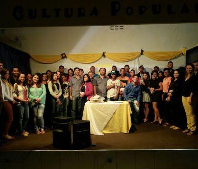 Casa das Juventudes de Paranatama finalizou o curso de auxiliar de escritório com 52 alunos.